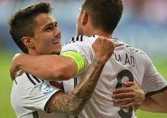 Германия уверенно переигрывает датчан