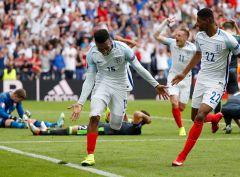 Англичане на последних секундах вырвали победу у валлийцев