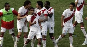 Перу - Колумбия 2:0 фото