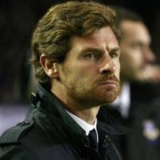 Серьёзный тренер Челси